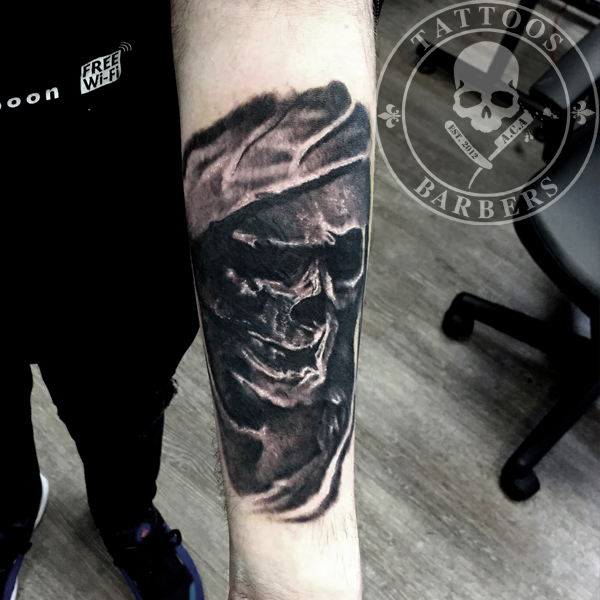 Top solid black skull tattoo images for pinterest tattoos for Solid black tattoo cover up